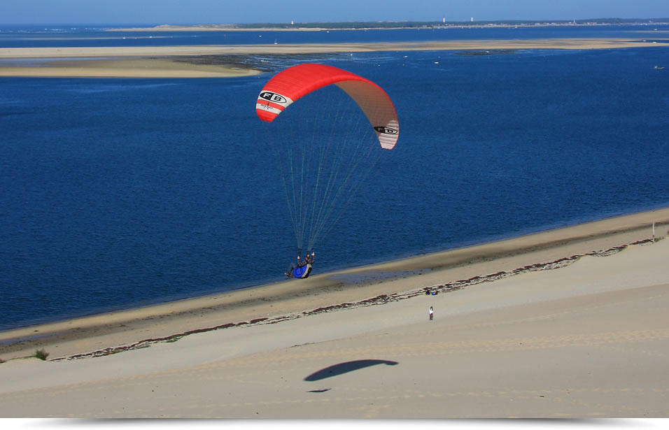 Take flight with paragliding !